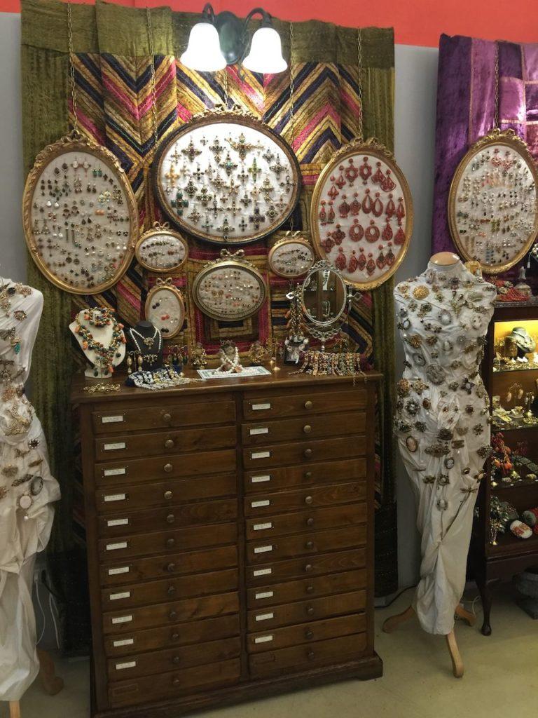 tharros bijoux in florence