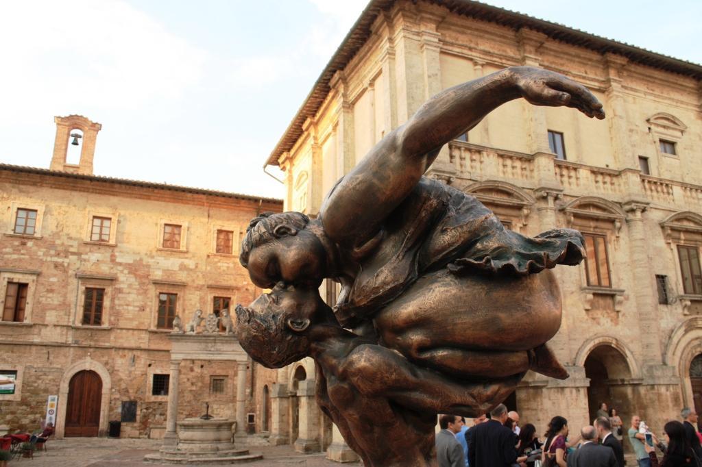 Xu Hong Fei sculpture Siena