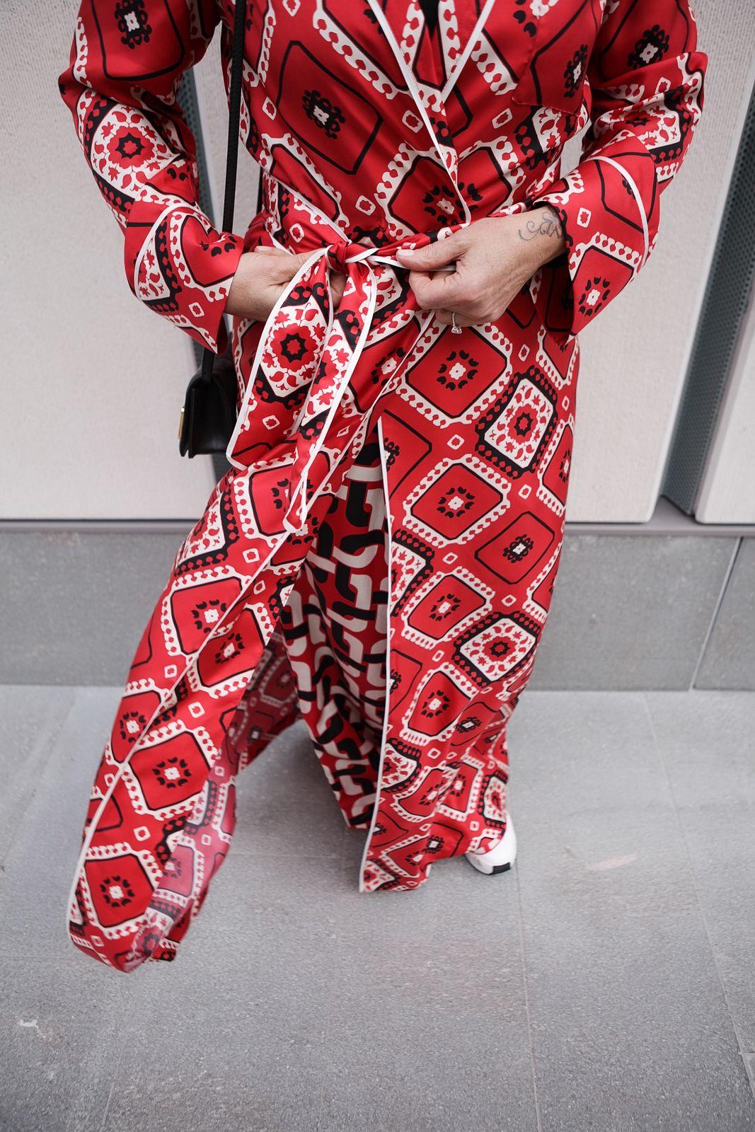 do you like my robe