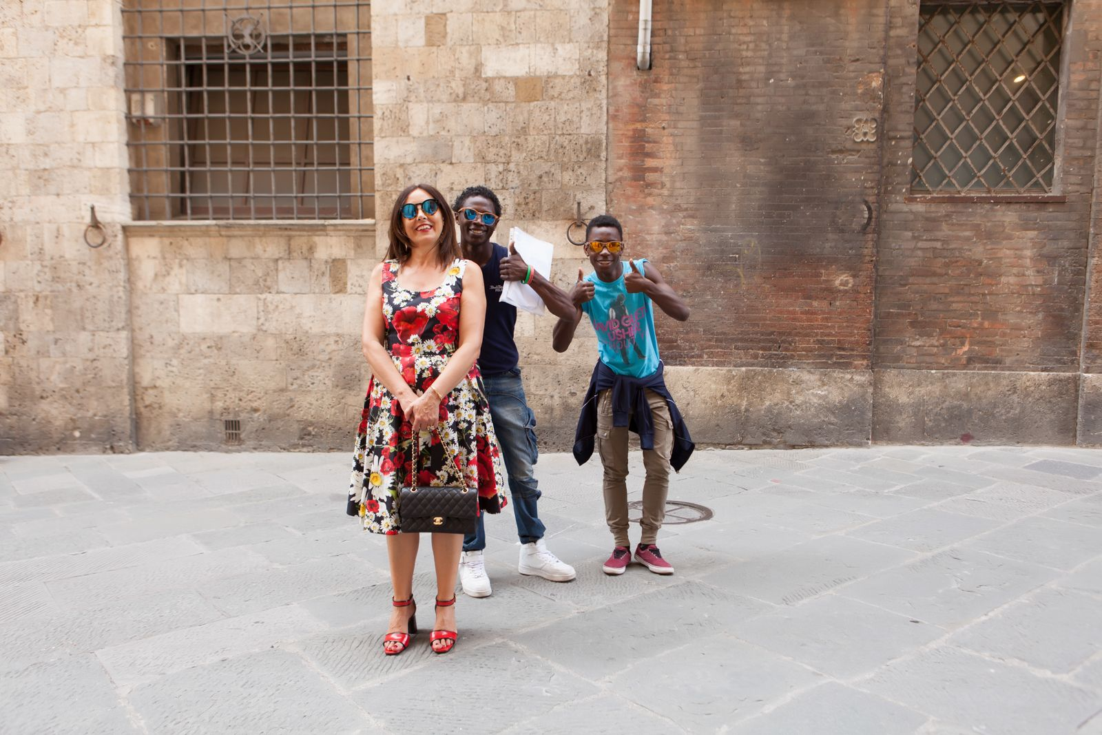 mani shoes, illesteva sunglasses, dolce gabbana flower dress, chanel bag. photo shooting in Siena - Not Only Twenty Fashion blog with new friends funny time