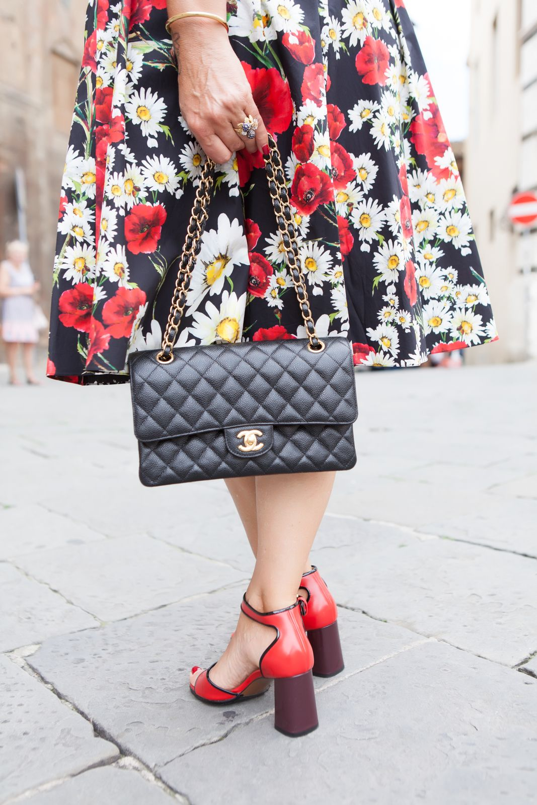 marni sandals, dolce gabbana flower, chanel bag. dress - photo shooting in Siena - Not Only Twenty Fashion blog