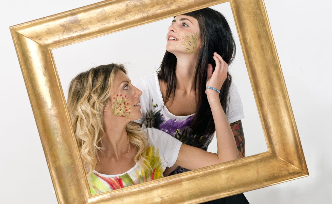 ZakSlice, when art becomes fashion - It comes from Siena the artistic duo that will allow you to wear amazing paintings - women with ZakSliceproget t-shirt - not only twenty fashion blog #fashionover40