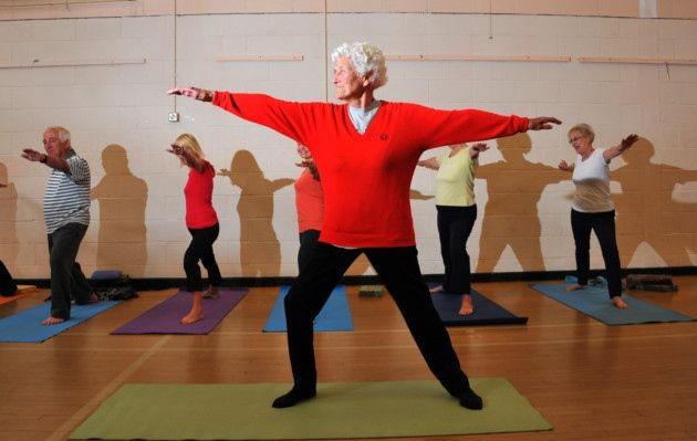 Eileen Ash, a 105-year-old woman who keeps fit with yoga - Not Only Twenty blog