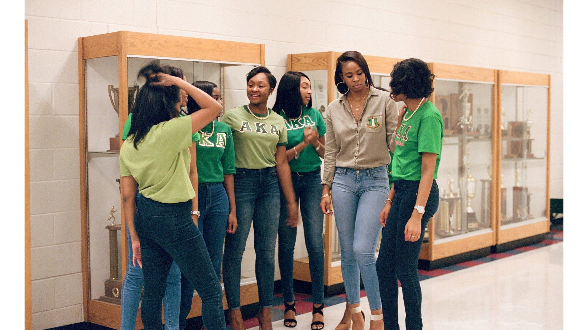 """The Women of Alpha Kappa Alpha"" - LaMani Adkins, Sky Myers, Kandlar Rhodes, and Brianna Gaulding on the Morehouse College campus. Ph Mayan Toledano. 125 anniversary Vogue US - Not Only Twenty, fashion blog over 40"